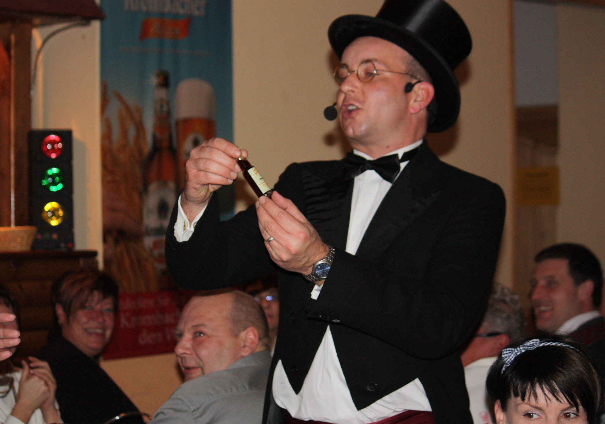 Dinnershow Feuerzangenbowle Comedy Künstler und Komiker