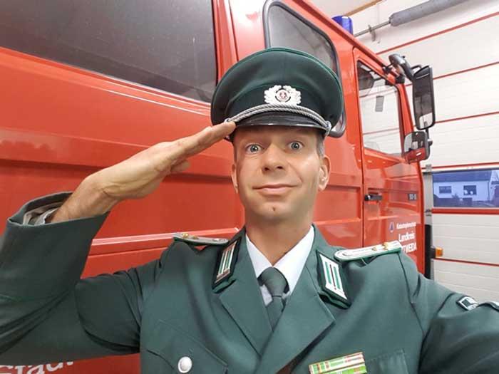 Komiker und Comedy-Alleinunterhalter zum Feuerwehr-Fest und -Jubiläum